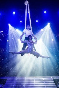 Silk aerialists Leann Farley and Simmone Gruzdev
