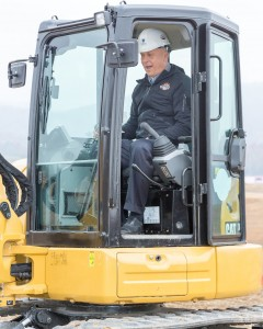 Ripken in backhoe_72