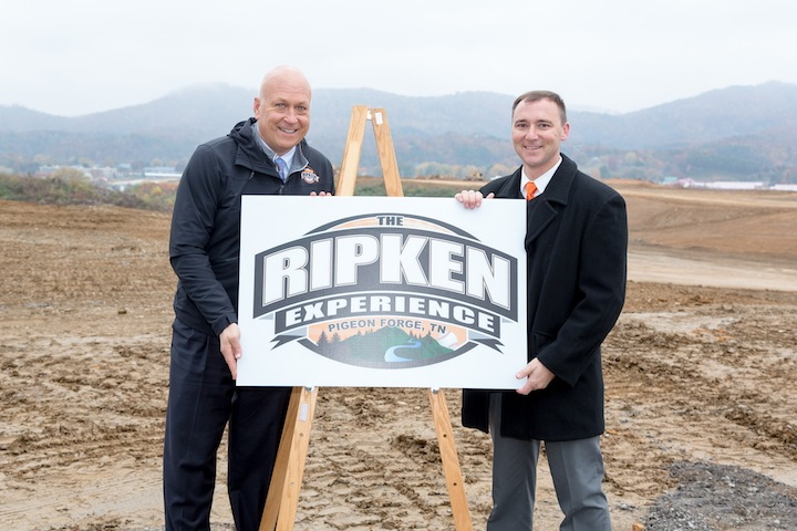 Ripken_Wear_sign_72